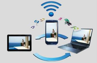 Wi-Fi Direct는 인터넷 연결 없이도 동영상과 같은 대용량 파일을 기존의 블루투스 대비 약 22배 더 빠른 속도로 송수신할 수 있는 Wi-Fi 기술입니다