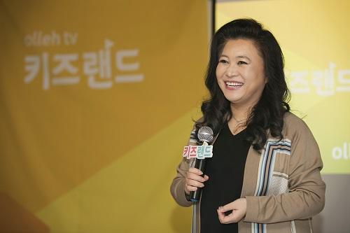 KT가 IPTV 영유아 서비스 패키지 '올레 tv 키즈랜드' 2.0 버전 출시를 기념해 육아 고민을 해결해주는 전국 토크콘서트를 개최한다고 14일 밝혔다.