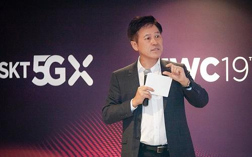 박정호 사장은 MWC 현지 간담회에서 '초(超)시대'라는 개념을 새롭게 제시, SKT가 모바일을 초월하는 ICT 복합 기업이자 서비스 혁신 기업이 되겠다는 지향점을 담은 것임