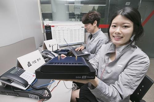 KT 5G 오픈랩과 함께 국내 중소기업인 젠시스템즈, 멕서스는 5G 무선 백홀 인프라 구축 및 사내 시범서비스를 추진하고 있다.