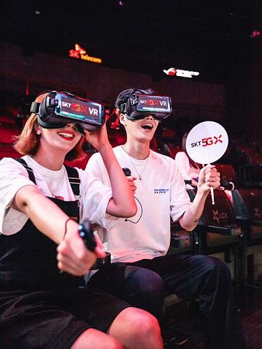 SK텔레콤은 31일 서울 고려대 화정체육관에서 열리는 국내 최대 e스포츠 리그 'LCK' 서머 결승전을 5G '점프 VR'을 통해 360도 VR로 생중계한다고 29일 밝혔다.